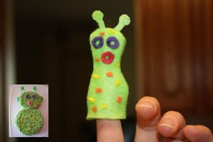 space alien finger puppet by Mab-overthrown