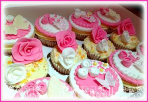 Pretty Little Cupcakes by gertygetsgangster