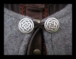 Celtic Wool Cloak Details by aelthwyn