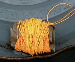 Object _ wire - corde jaune by Aimelle-Stock