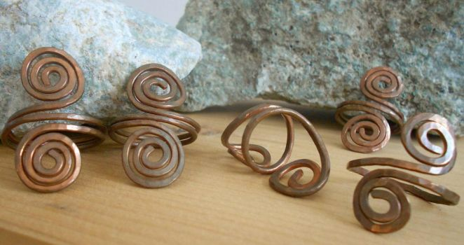 Crude Spiral Copper Rings by LunaSoffio