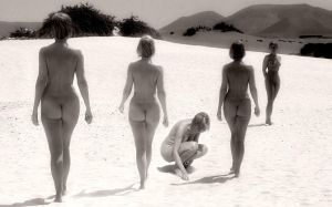 beach_babes_4 by oralicity