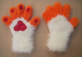 Malice Handpaws by Captain-Sparrow