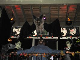 Halloween 2009 Patio Display 2 by EVysther