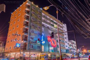 Patong Holiday Hotel by beloved16