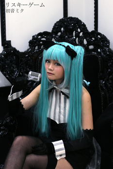 Hatsune Miku Cosplay- Risky Game by SpicaRy