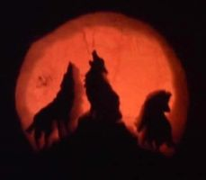 Lets Howl Carving by Mandy31492