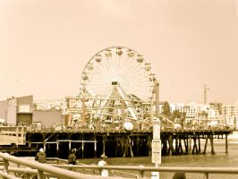 Santa Monica Pier by Onzamour