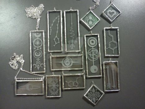 etched glass pendants. by paintedmaru