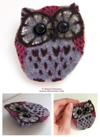 Felt Owl Brooch 01 by Erunei