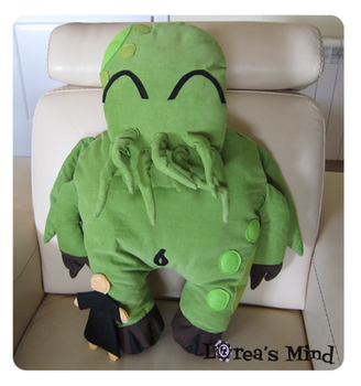 Cuddly Cthulhu!! with cultist. -Front- by LoreaLopez