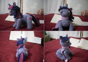 :: Twilight Sparkle :: by CinnriStreusel