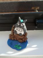 Totoro sculpture by charmedinnocence