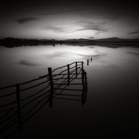 Submerged fence by pedroinacio