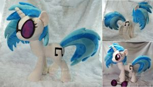 DJ Pon3/Vinyl Scratch plush by hystree