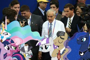 Ron Paul And The Ponies At The Convention by RicRobinCagnaan