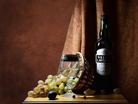 Grapes and whiskey by Egesichora