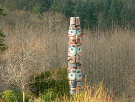 Two-Sided Totem Pole by VoyagerHawk87