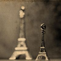 Eiffel Tower by Ardisrawr