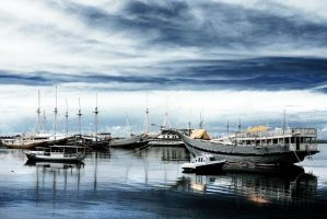 Bira Harbour I by momoclax