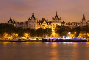 Thames at night by MCkopath
