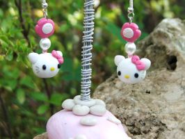 Hello Kitty pink earrings by Libellulina