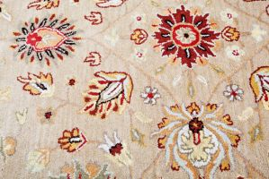 Hand Tufted Modern Cream floral Rug by wholesalerugs