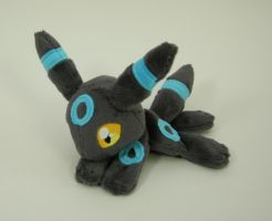 Shiny Umbreon Beanie by Yukamina-Plushies