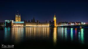 The Palace of Westminster by night by RemiGardet