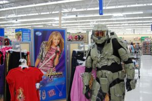 Master Chief at Walmart 3 by the-pooper