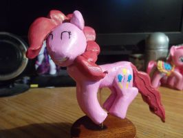 Pinkie Pie statuette painted by McMesser