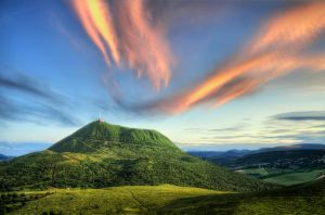 The sleeping giant by Toinant