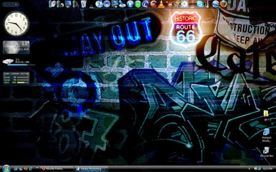 My Irregular Desktop by xedner
