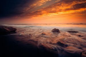 Breaking Waves by jadden