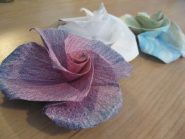 Origami Roses by theartisticnerd