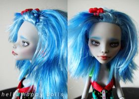 Monster high ghoulia repaint 3 by hellohappycrafts