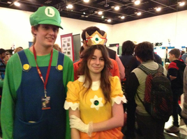 AVCon  4 - Pic with a random Luigi XP by paratroopaCx