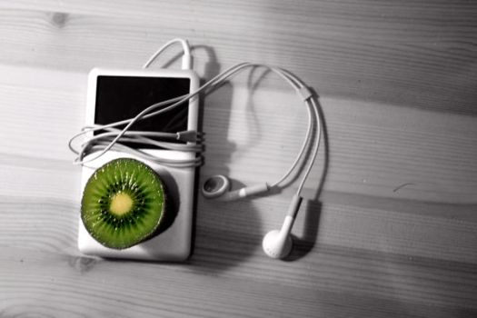 Kiwi Ipod by Odafn