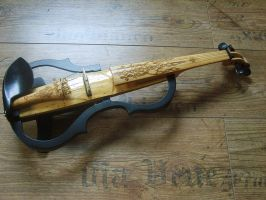 Electric violin with new design by deviantviolins