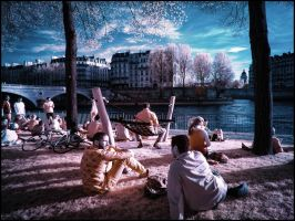 Chilling in the evening sun in Paris infrared by MichiLauke