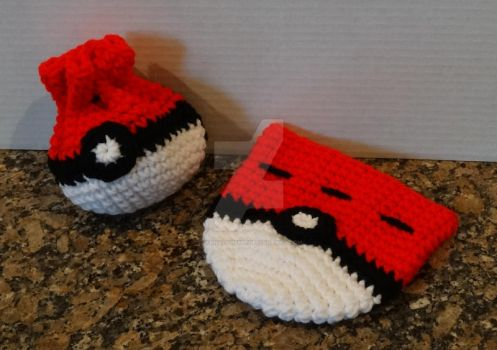 Pokeball inspired drawstring bag by YarnAlchemy