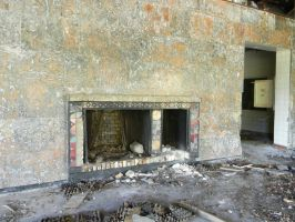 disused fireplace by Allaniya