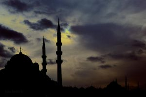 Silhouette of Istanbul by WorldsInWorld