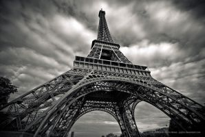 The Eiffel Tower by jpgmn