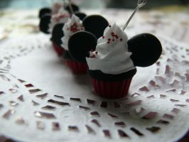 Mickey Mouse Cupcake III by MusicRains
