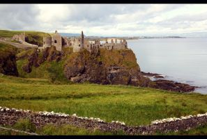Castle ruin by fae-photography
