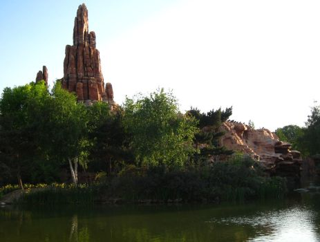 Rock from Big Thunder Mountain by tipoons