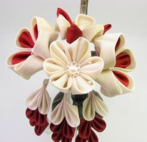 First traditional kanzashi by offgenemi