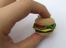 Hamburger Amigurumi by DaftPassion