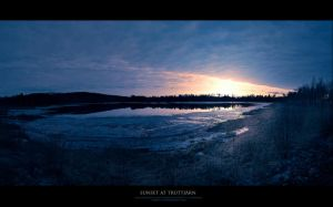 Sunset at truttj'a'rn I.I. by snarto